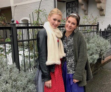 Winterdirndl - Modeschülerinnen zeigen wie's geht