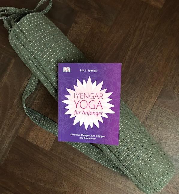 Das Yoga Buch Iyengar Yoga für Anfänger.